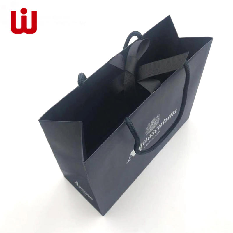 luxury gift paper bag with ribbon for lady New desisn